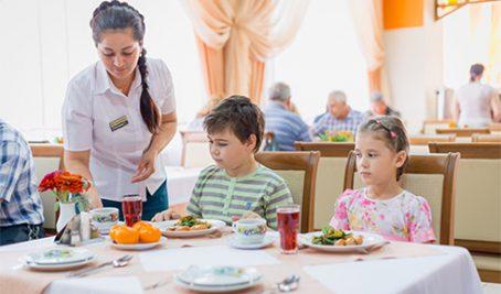 http://altai-west.ru/app/uploads/2016/06/restaurant_altai_01_mini-454x267.jpg